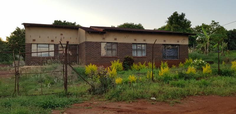 Property For Sale in Tshisahulu, Thohoyandou Rural 1