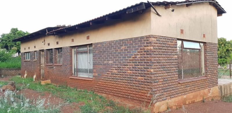 Property For Sale in Tshisahulu, Thohoyandou Rural 5