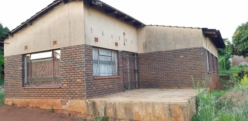 Property For Sale in Tshisahulu, Thohoyandou Rural 3